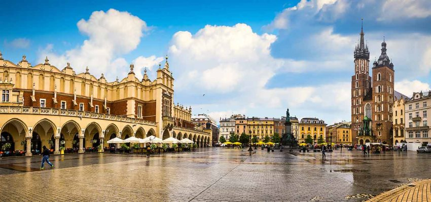 Krakow & 2 excursions included