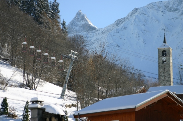 Ski Short Breaks in 4* Ski Chalet-France